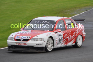 Qualifying saw the Vectra of Cleland on pole position